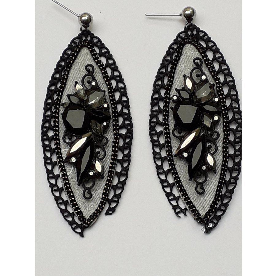 orecchini con pietra nera